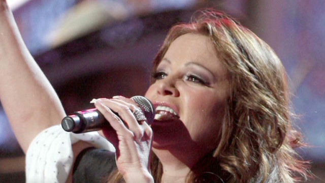 121211031937-ac-anderson-cooper-remembers-jenni-rivera-00024502-story-top
